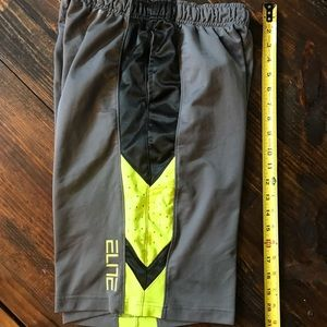 Youth large Nike elite shorts